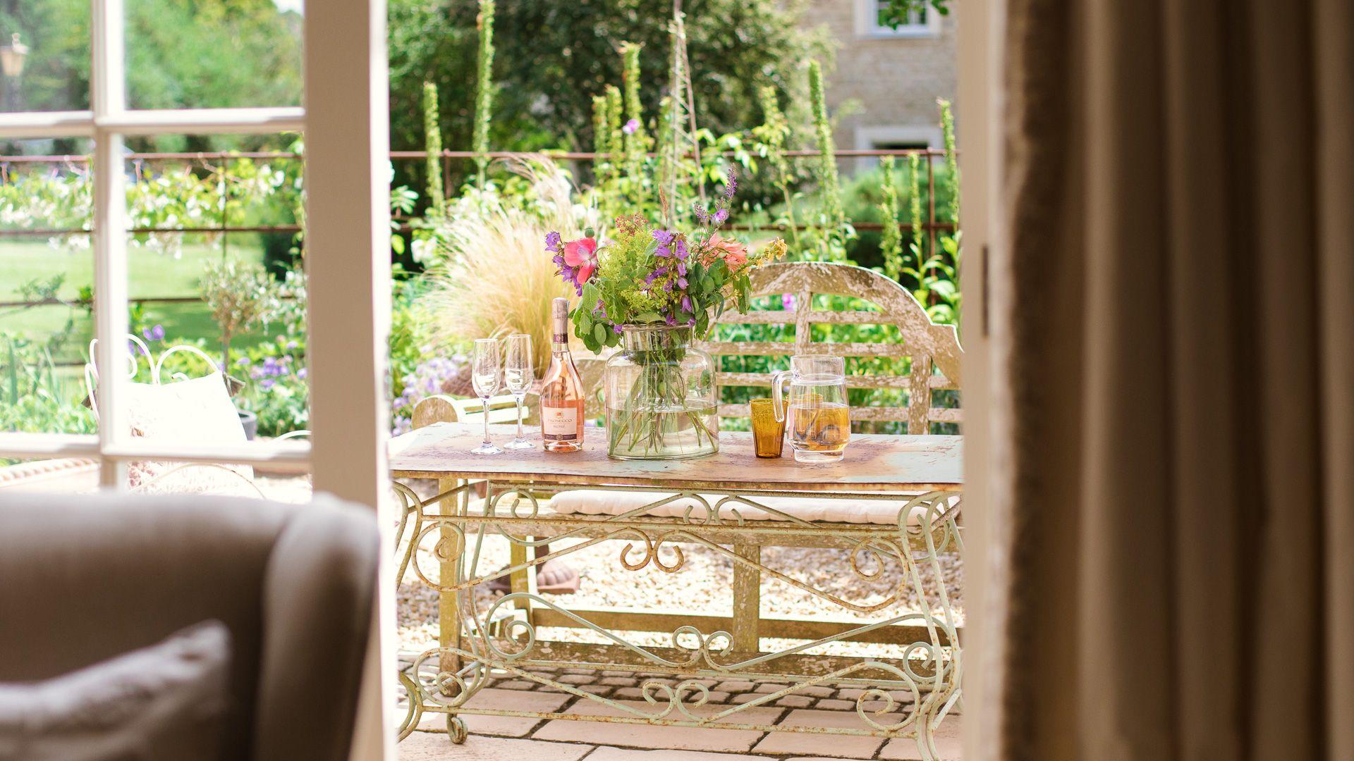 View to courtyard garden, Apple Store Cottage, Charlbury