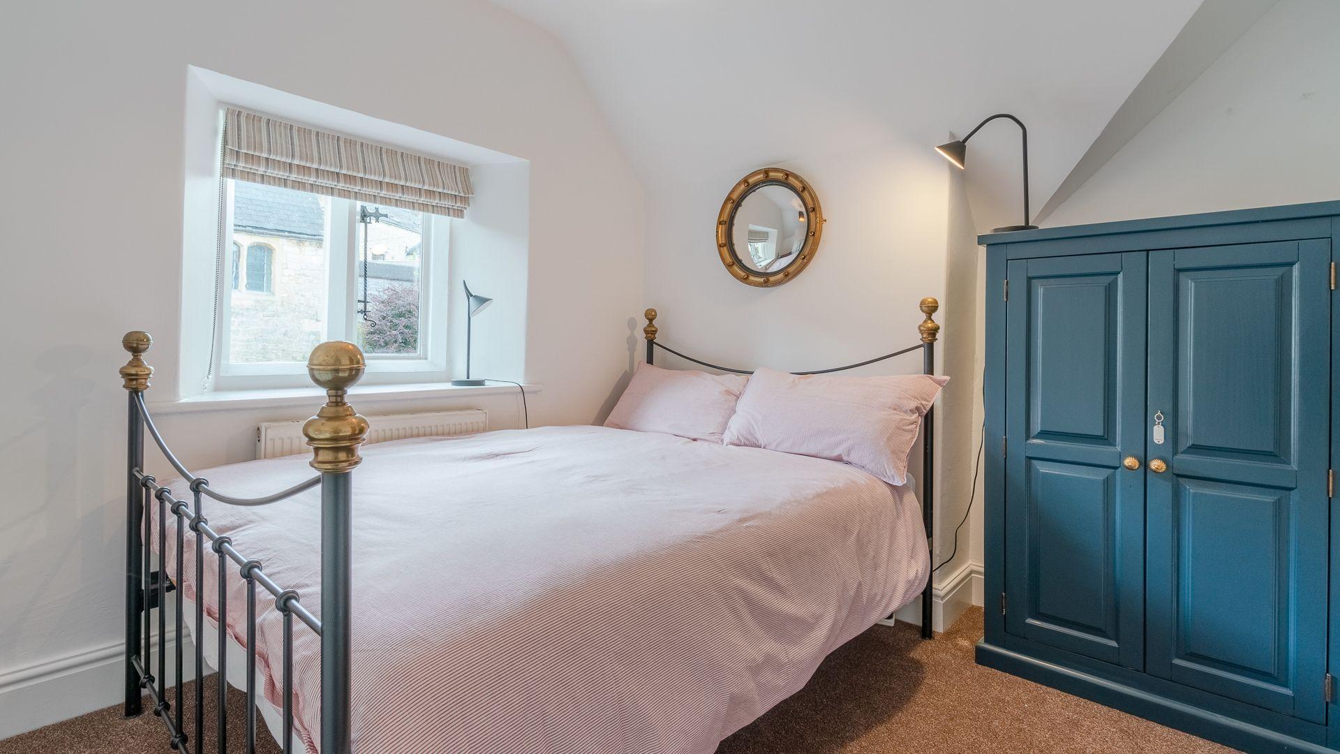 Bedroom 1, Springfield, Bolthole Retreats