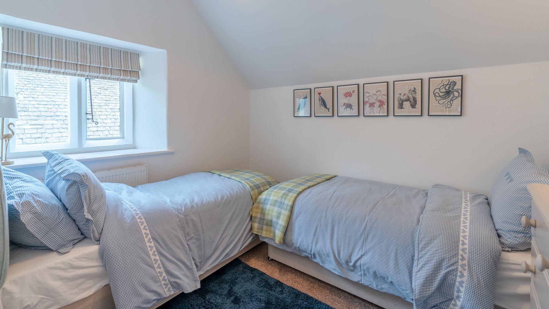 Bedroom 2, Springfield, Bolthole Retreats