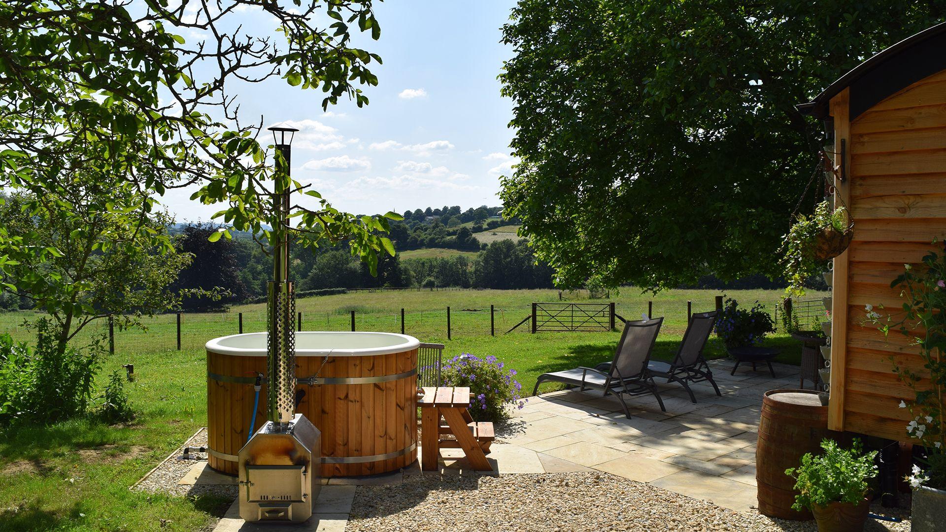 Hot tub and valley view, Tudor Oak, Bolthole Retreats