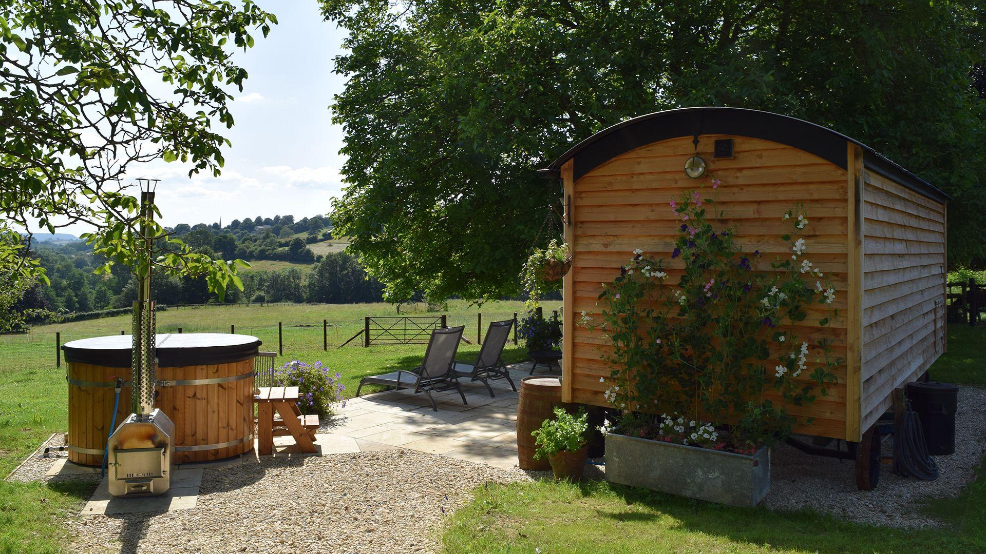 Hot tub and view, Tudor Oak, Bolthole Retreats