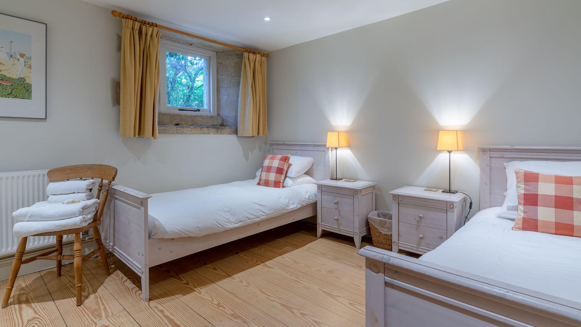 Bedroom Two, Aylworth Manor Granary, Bolthole Retreats