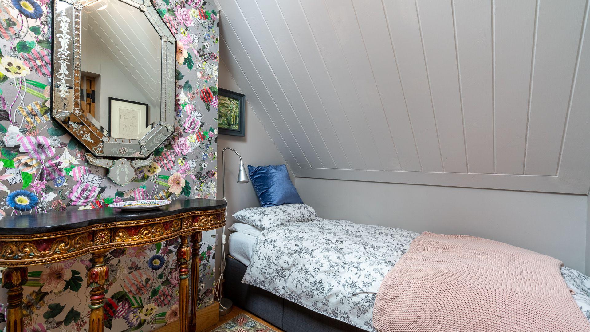 Bedroom Two, Little Coach House, Bolthole Retreats