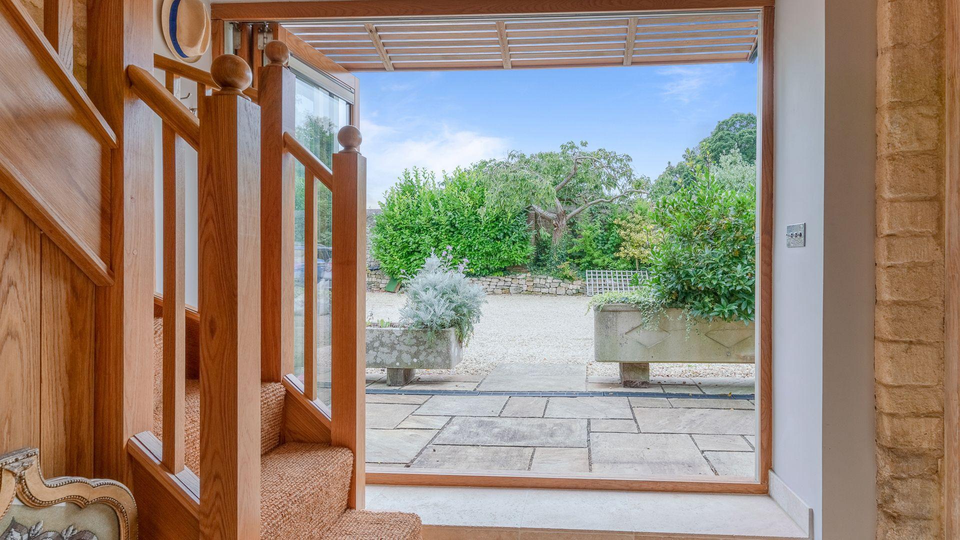Courtyard View, Little Coach House, Bolthole Retreats