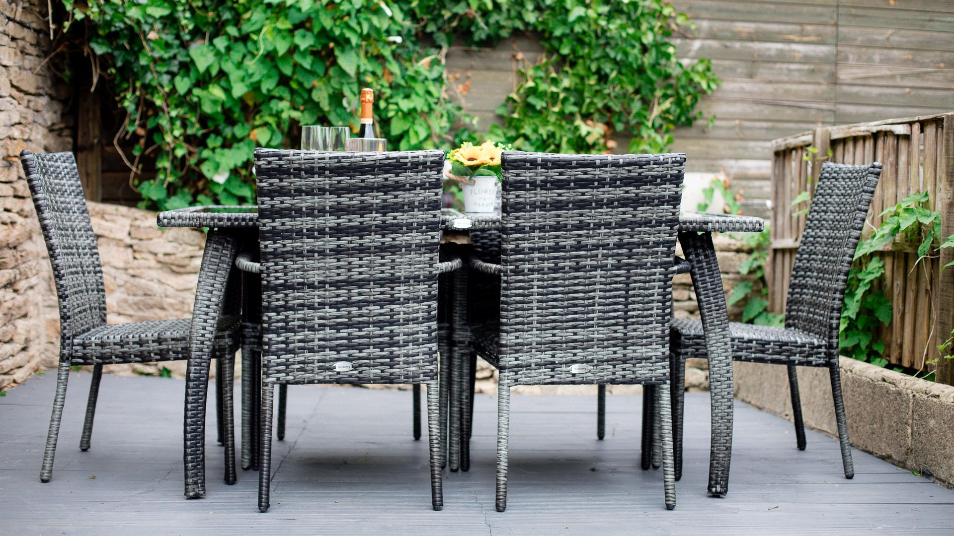 Outside dining deck, Hillside Cottage, Bolthole Retreats