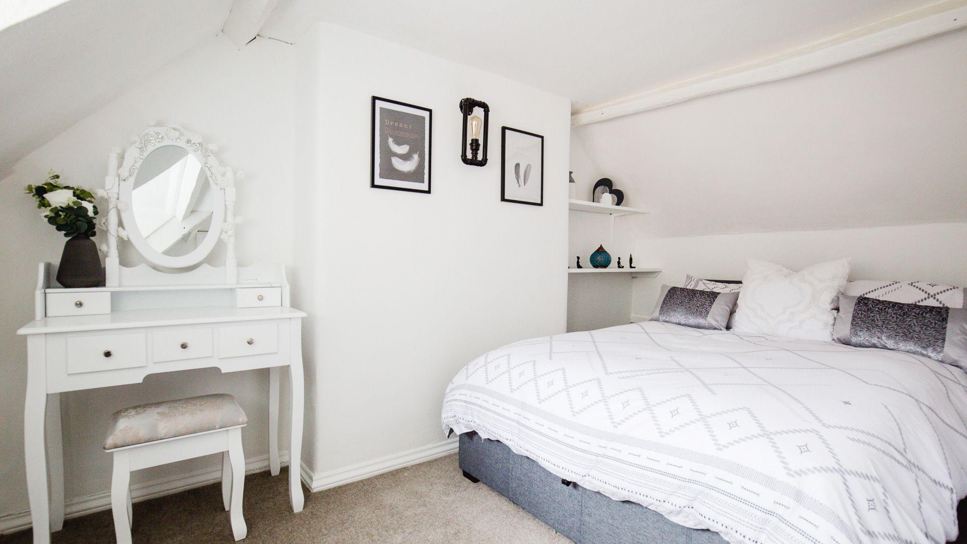 Bedroom Two, Hillside Cottage, Bolthole Retreats