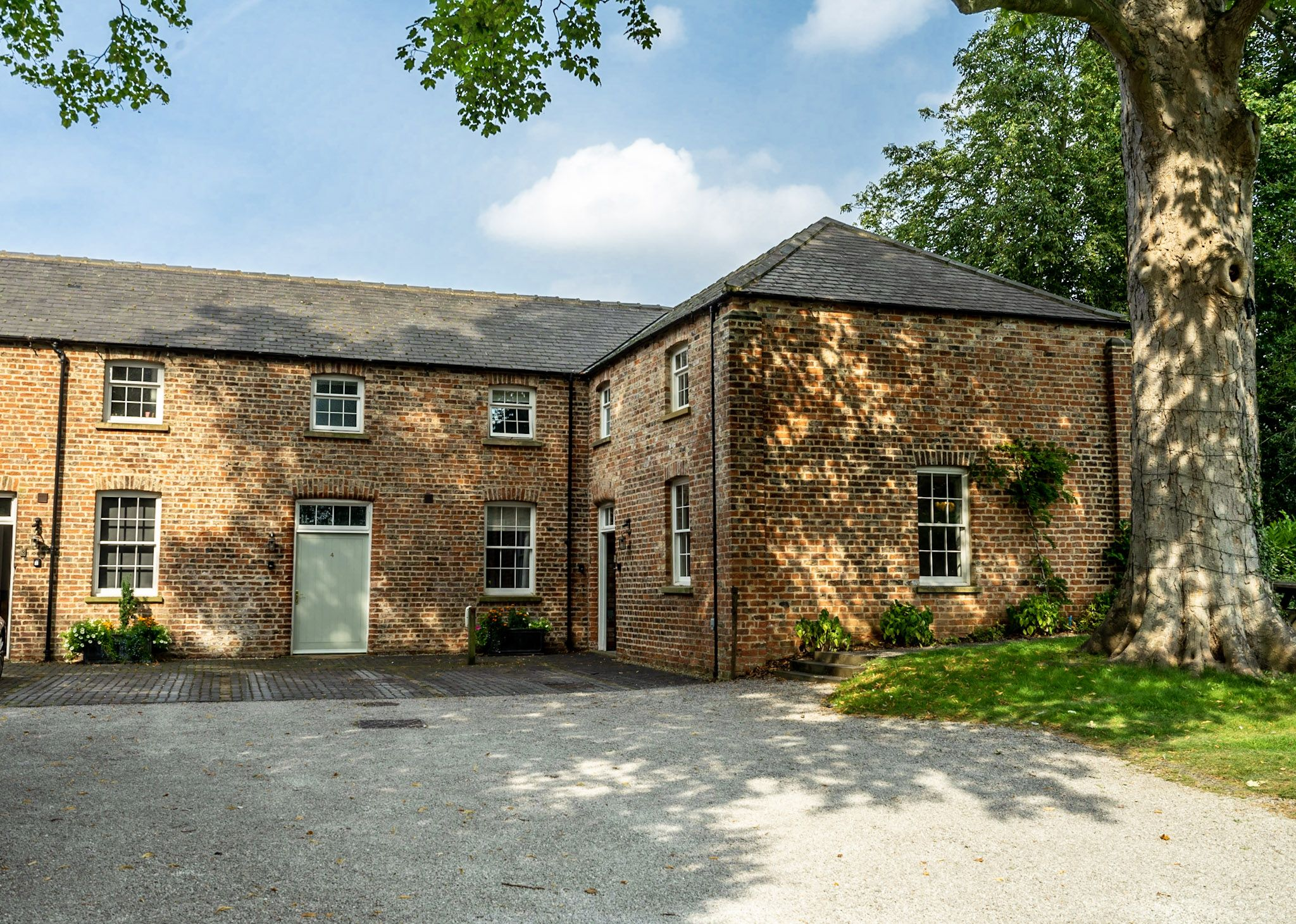 Middlethorpe Manor Cottages- No 4 Relaxation and Peace