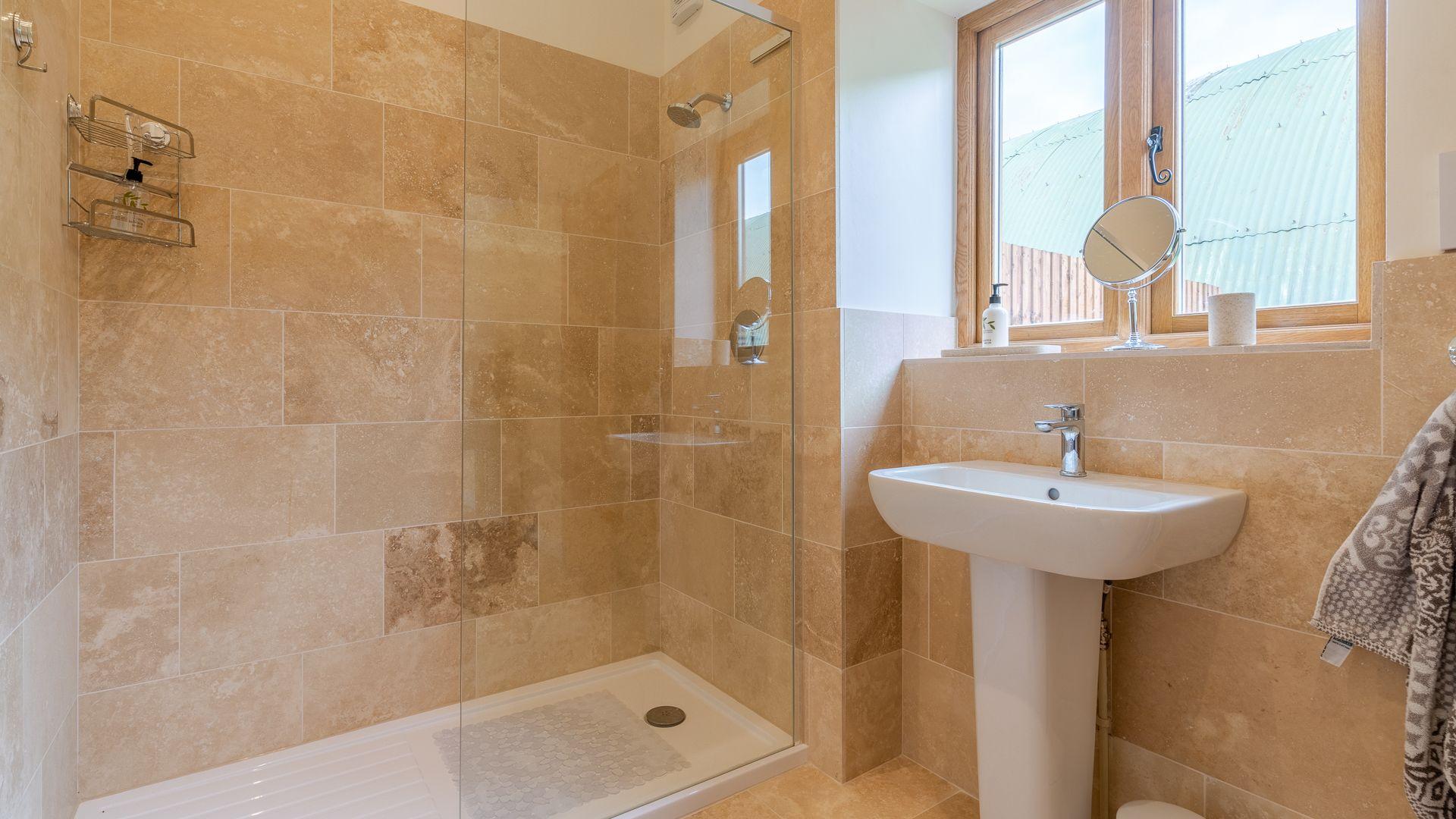 Shower Room, Swifts Retreat, Bolthole Retreats