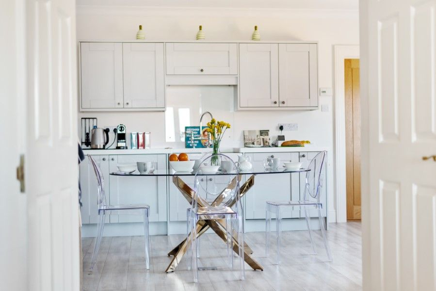 Aster House | Thro to kitchen
