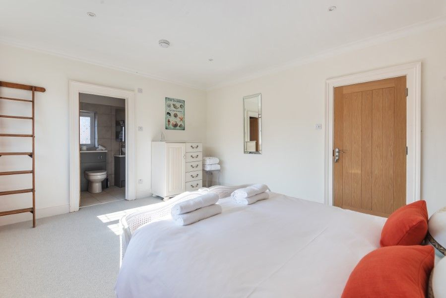 Aster House | Upstairs bedroom