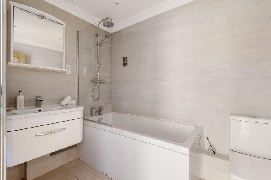 Aster House | Bathroom