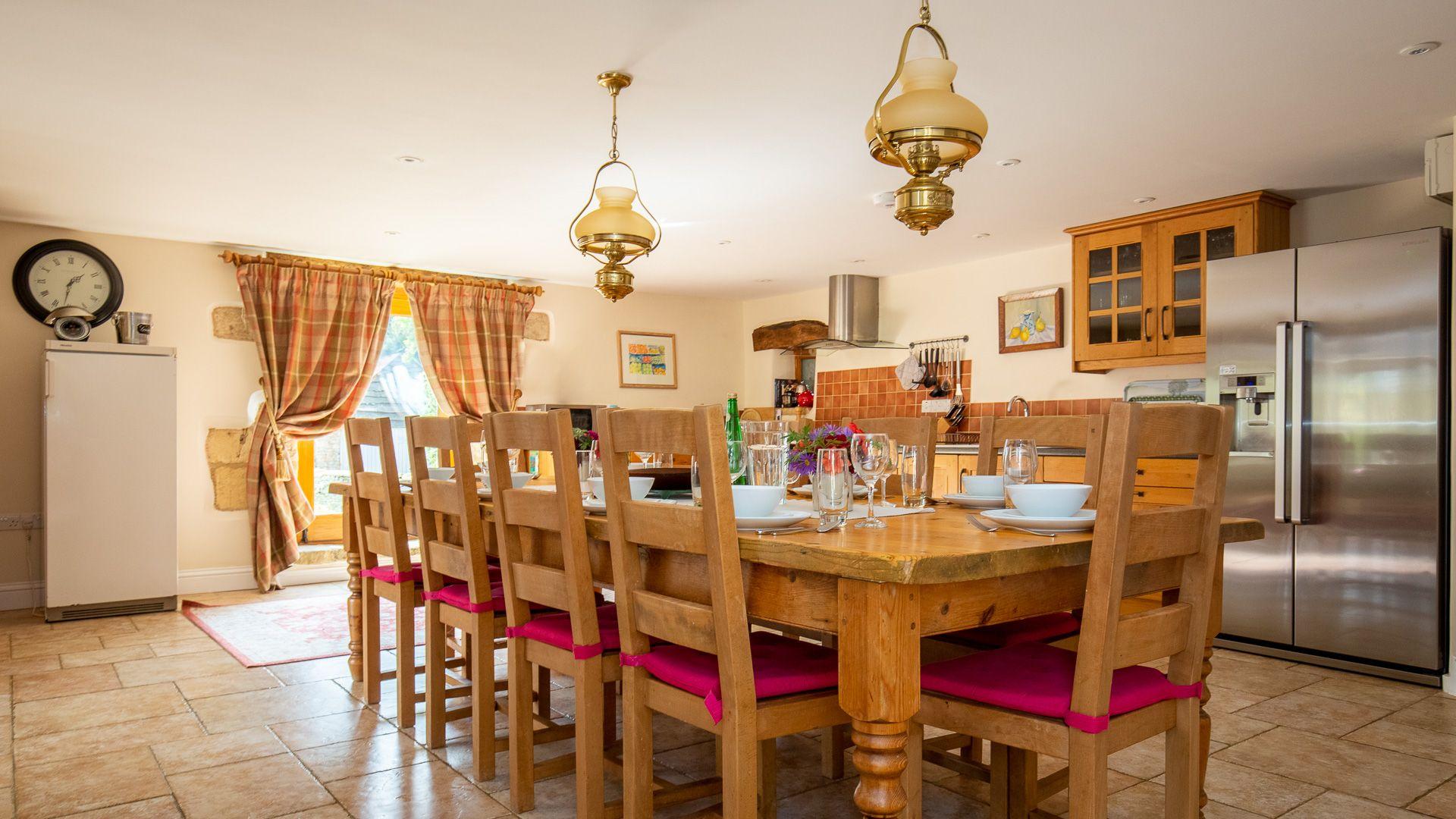 Kitchen-dining room, Tom's Barn,  Bolthole Retreats