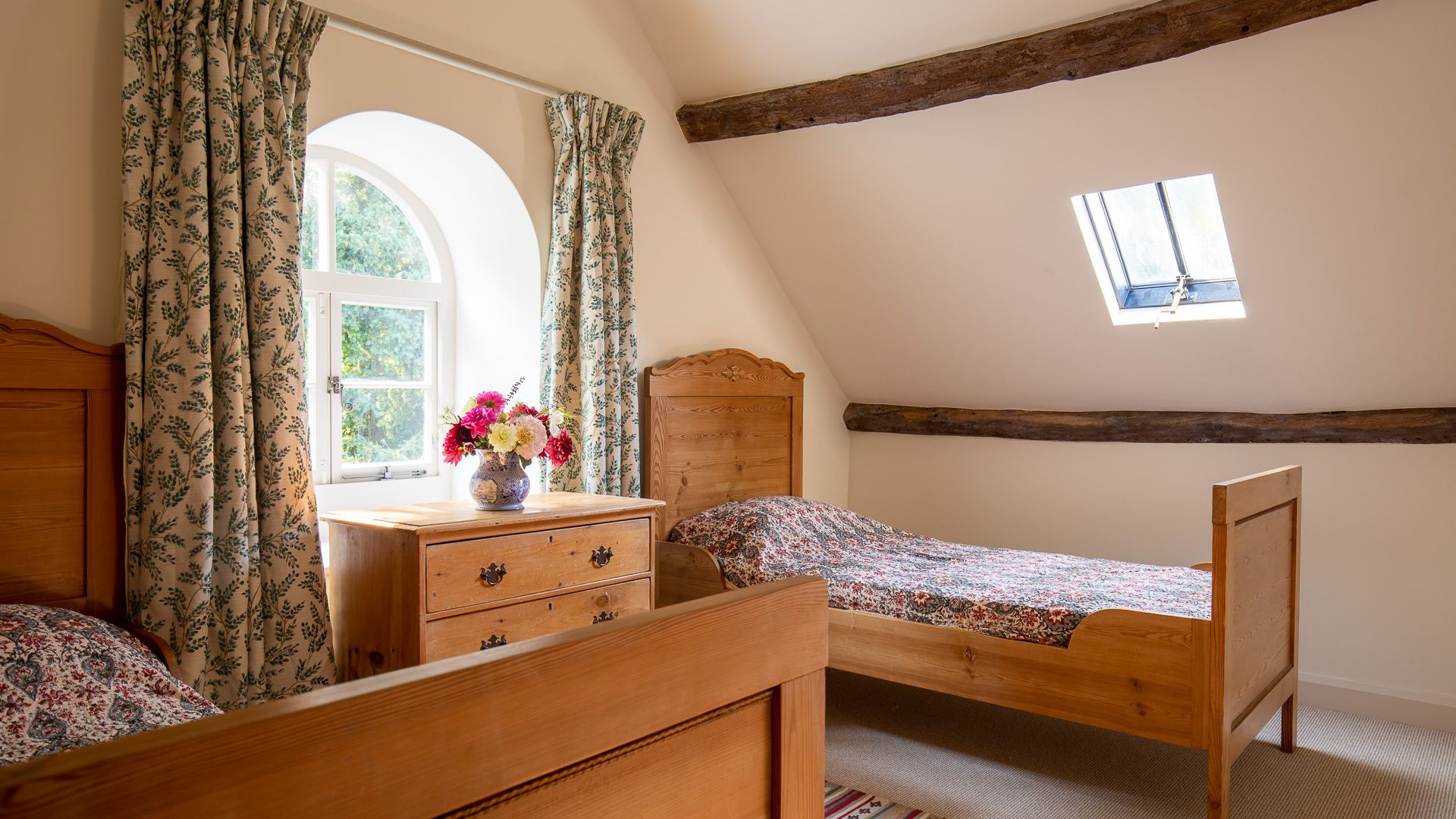 Bedroom Five, Temple Guiting Cottage, Bolthole Retreats