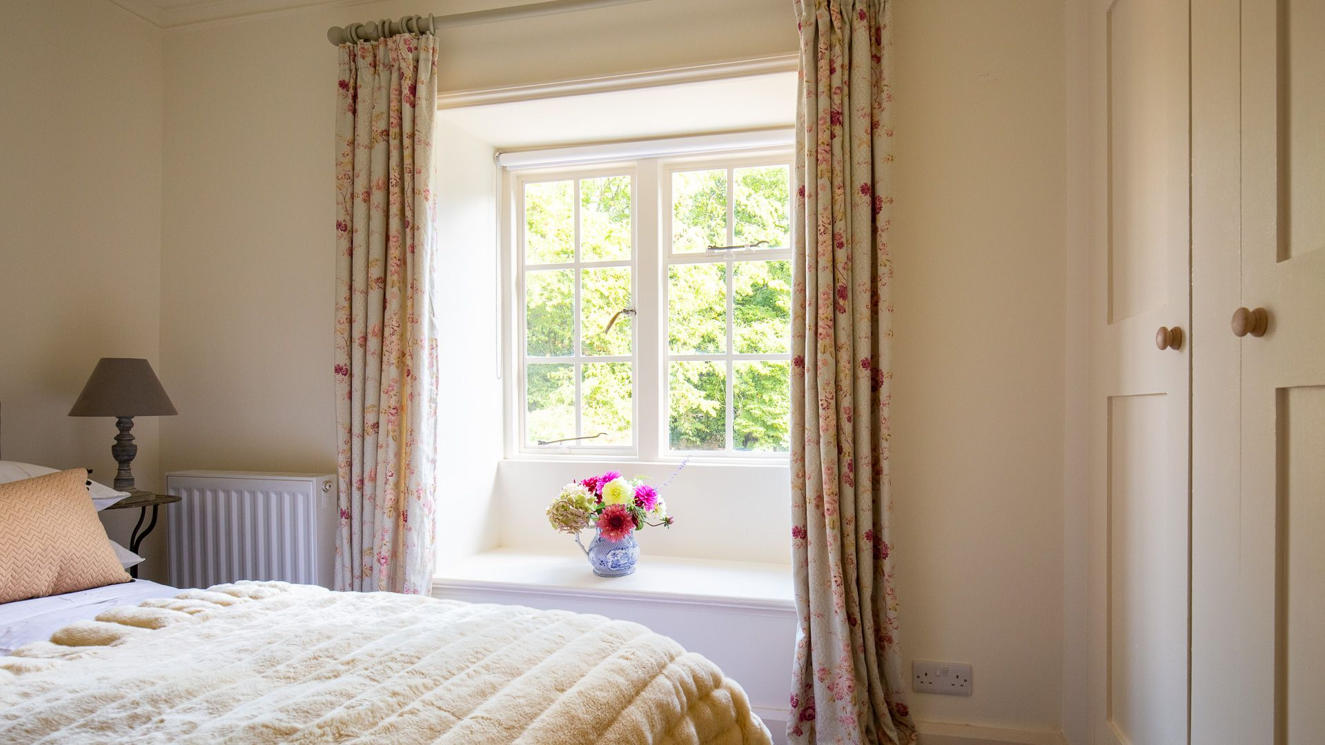 Bedroom Three, Temple Guiting Cottage, Bolthole Retreats