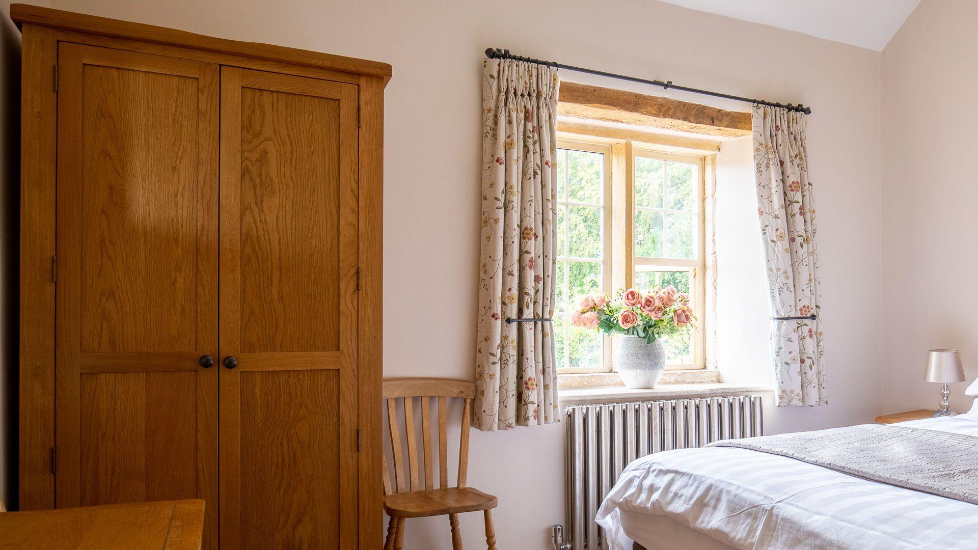 Bedroom One, Honeysuckle Cottage, Bolthole Retreats