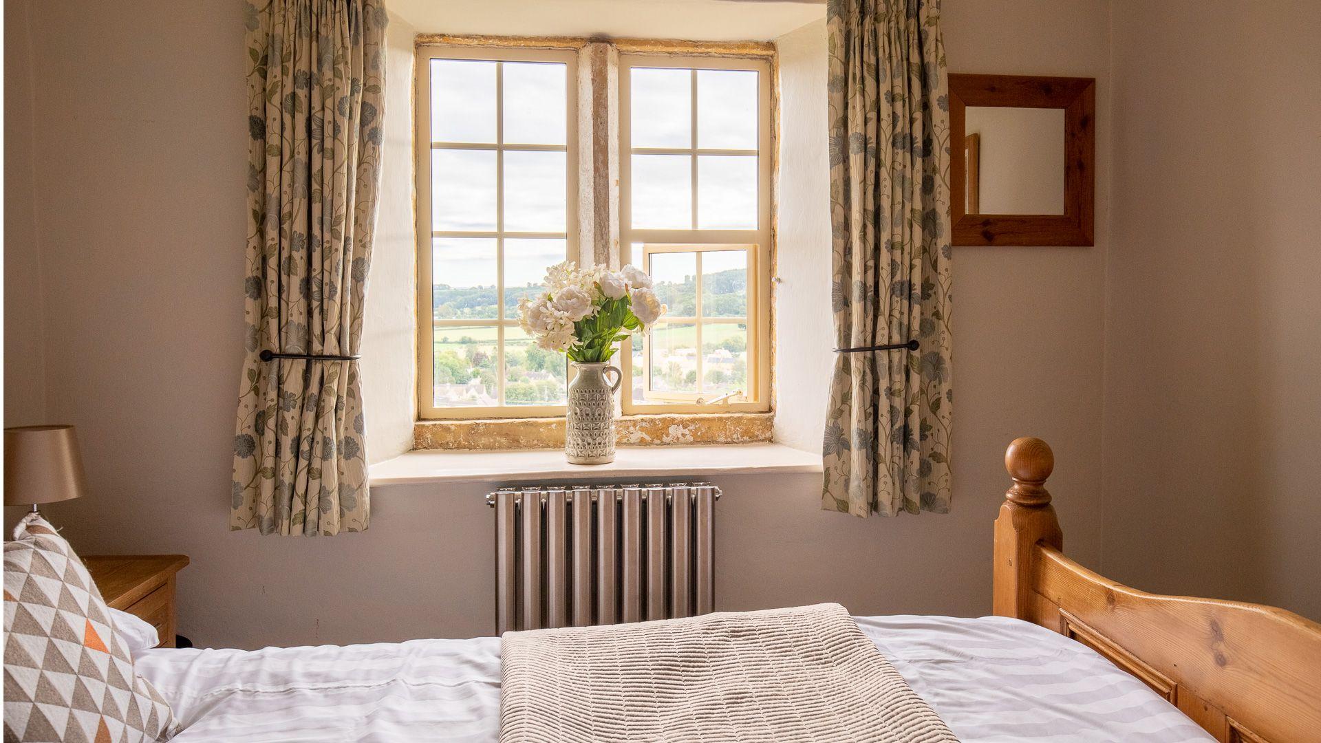 Bedroom Two, Honeysuckle Cottage, Bolthole Retreats