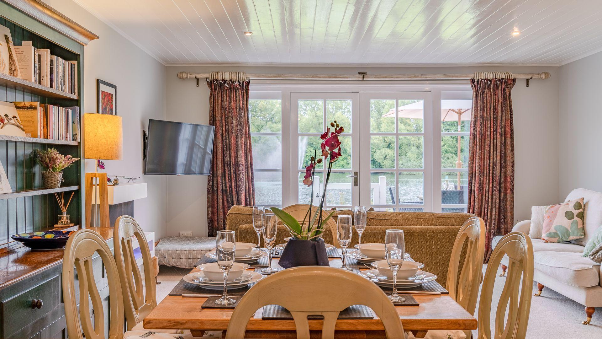 Dining area, Mayfly Lake Lodge, Bolthole Retreats