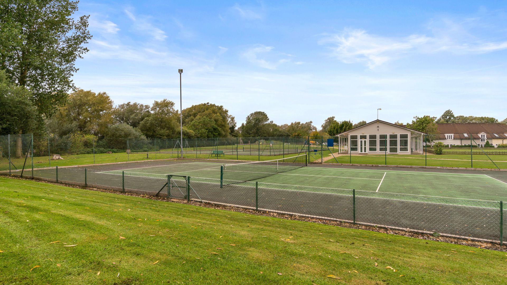 Tennis courts, Mayfly Lake Lodge, Bolthole Retreats