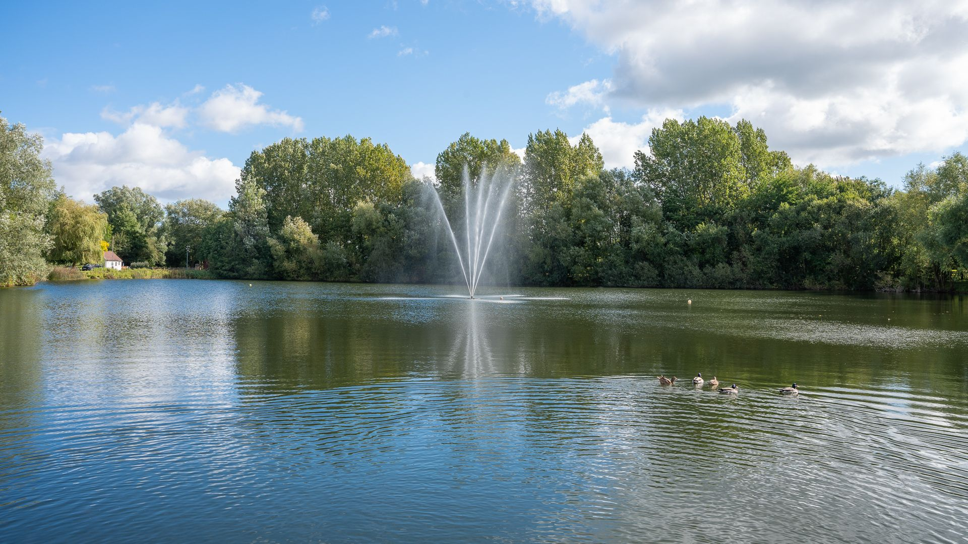Isis Lake fountain, Mayfly Lake Lodge, Bolthole Retreats