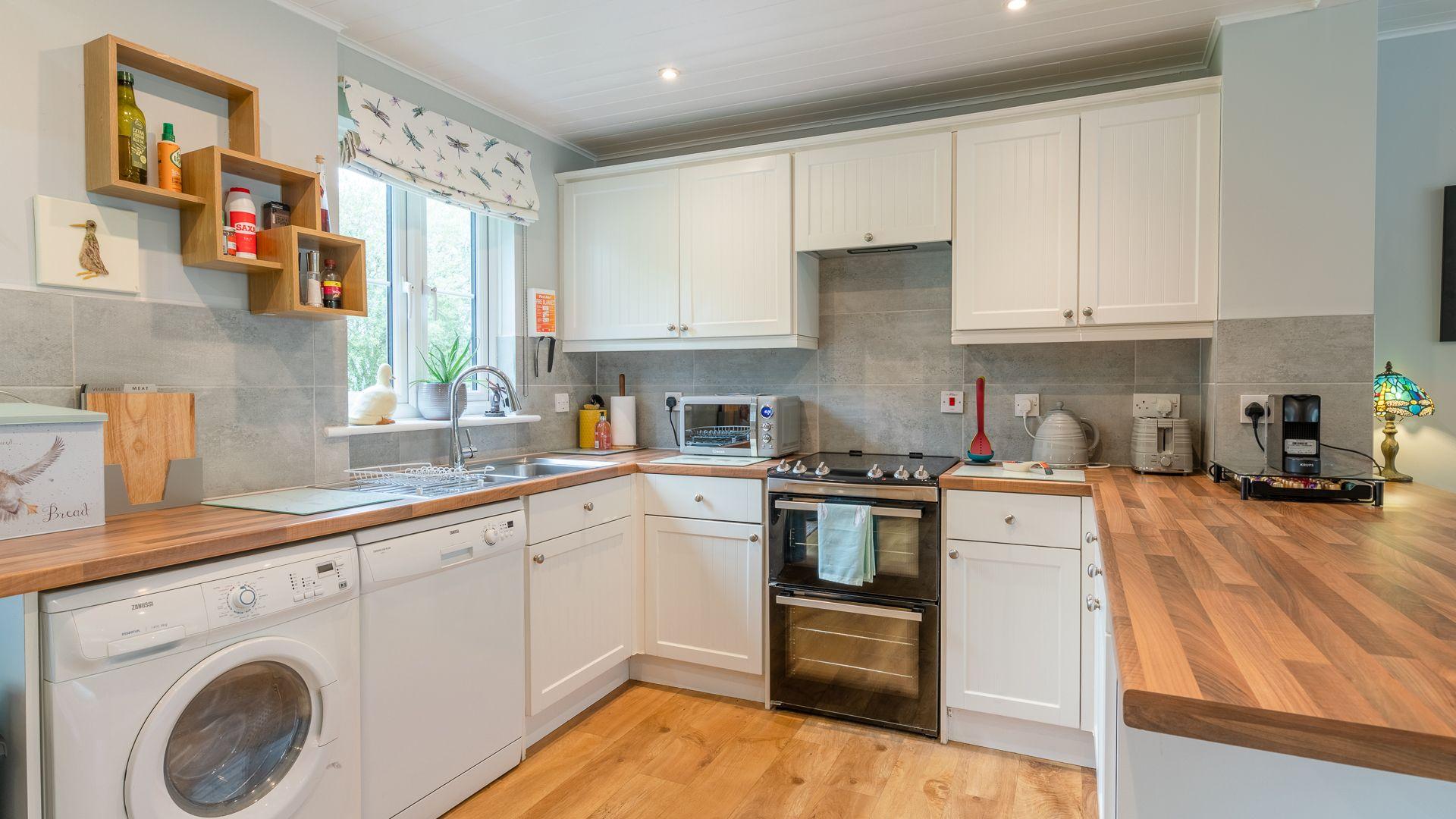 Kitchen, Mayfly Lake Lodge, Bolthole Retreats