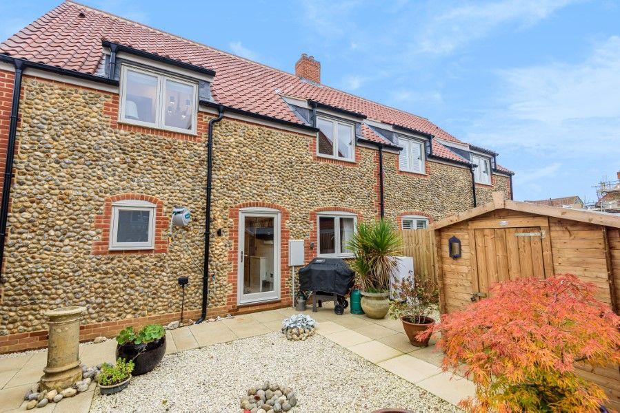 Christel Cottage   Back garden