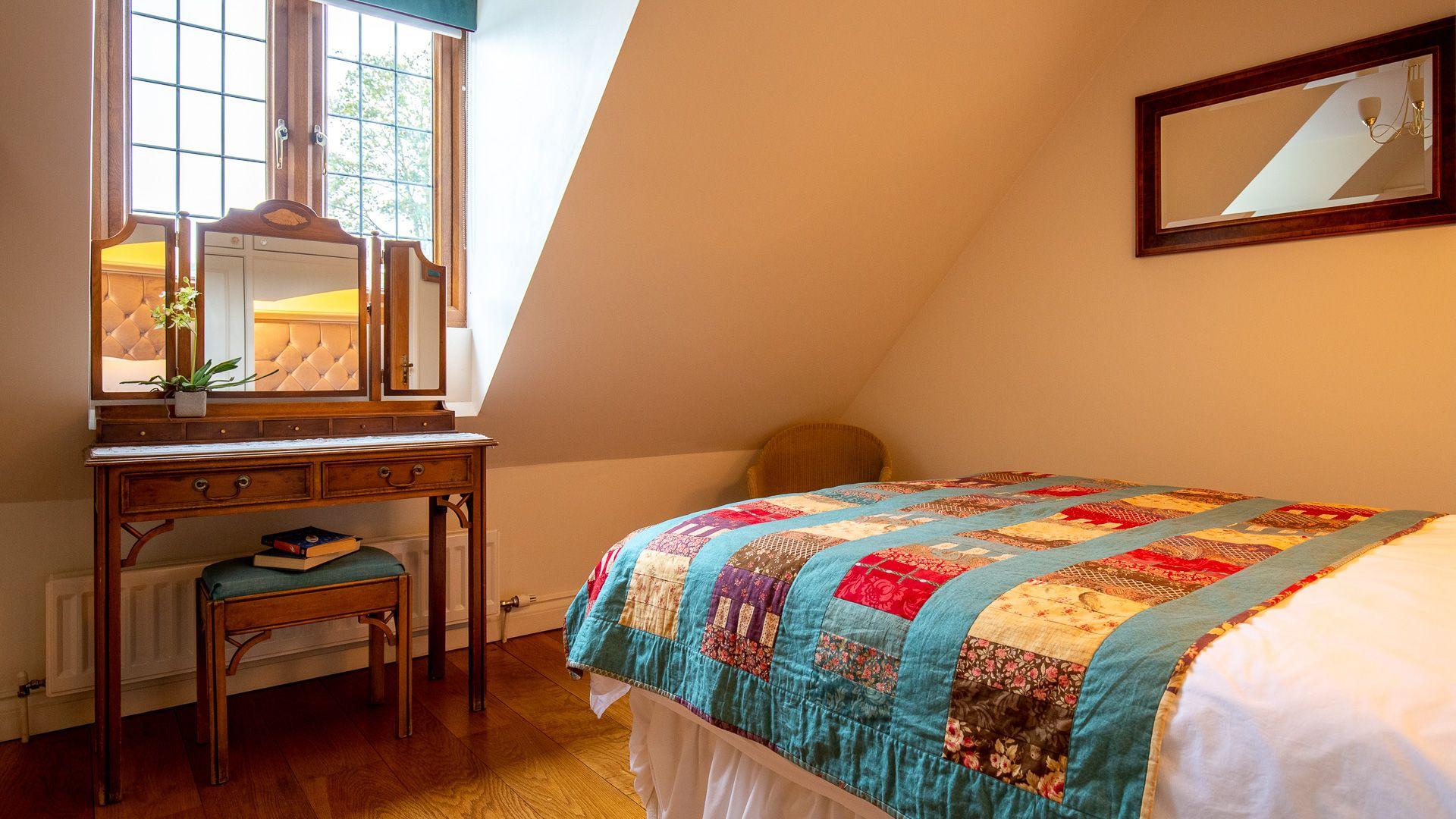 Bedroom Four, Kingfisher Cottage, Bolthole Retreats