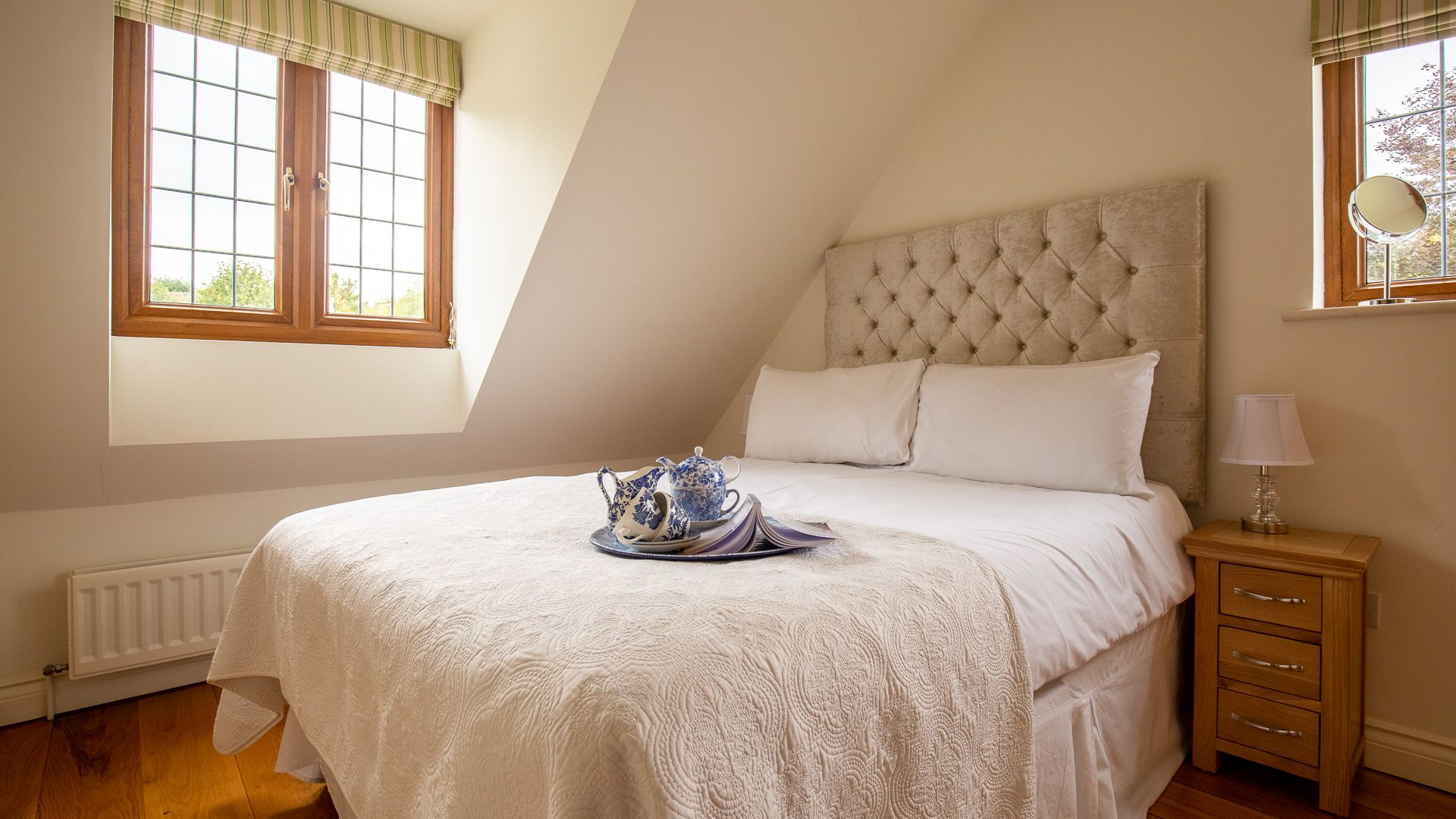 Bedroom Two, Kingfisher Cottage, Bolthole Retreats