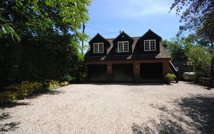 Tremendous Oldbury Cottage Easthampnett Chichester Sleeps 2 Self Home Interior And Landscaping Ologienasavecom