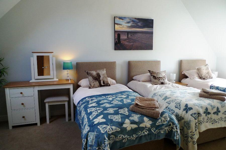 Long View   Bedroom 3