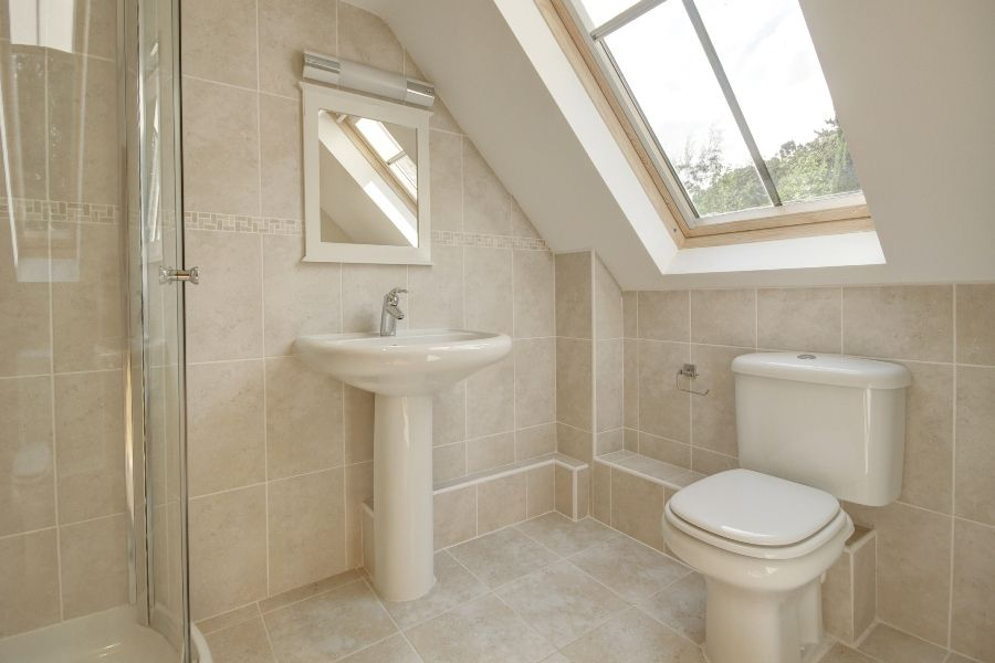 The Stables with Annexe | Annexe shower room