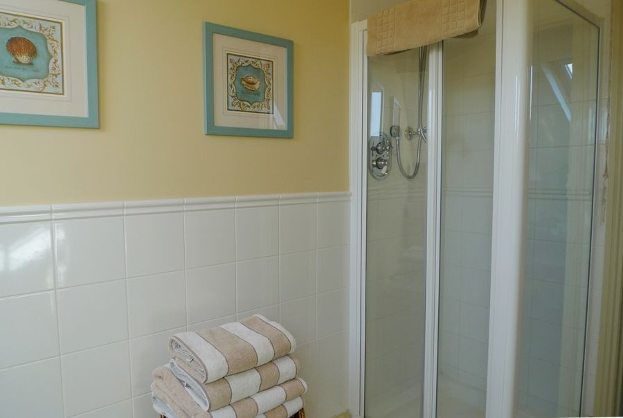 Lark Cottage | Shower