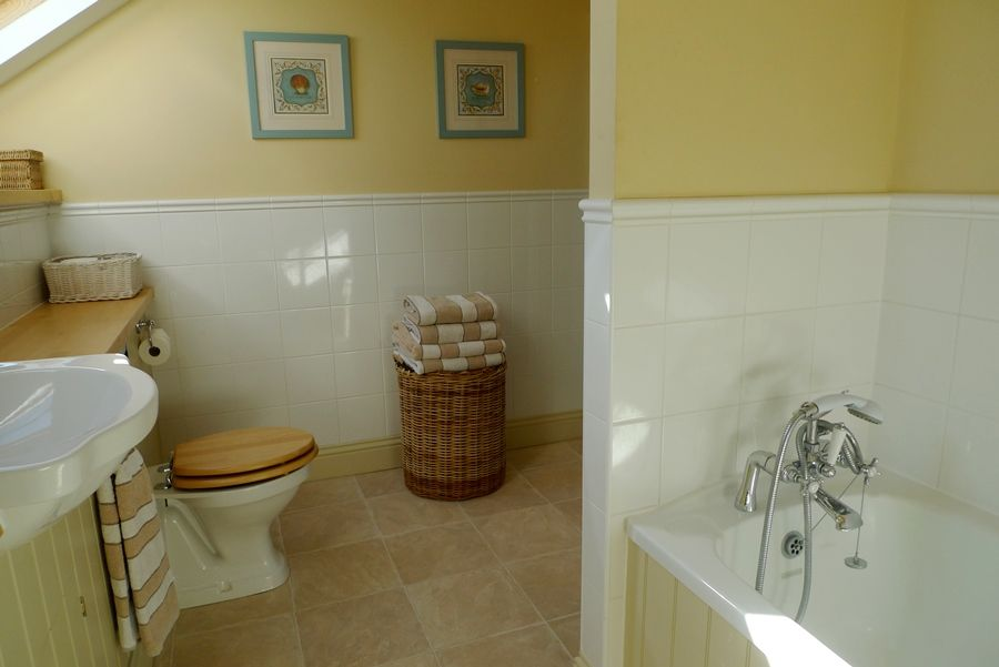 Lark Cottage | Bathroom