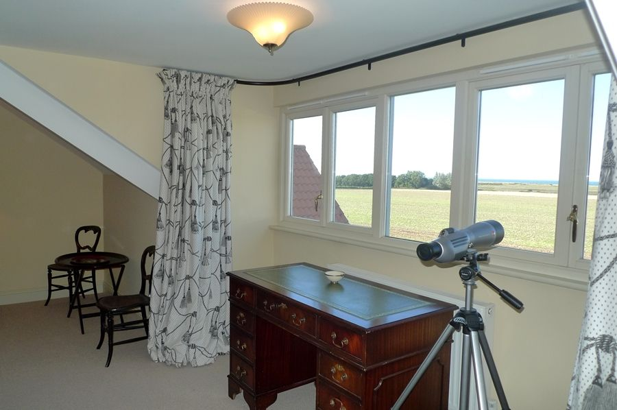 Lark Cottage | Bedroom 1 telescope