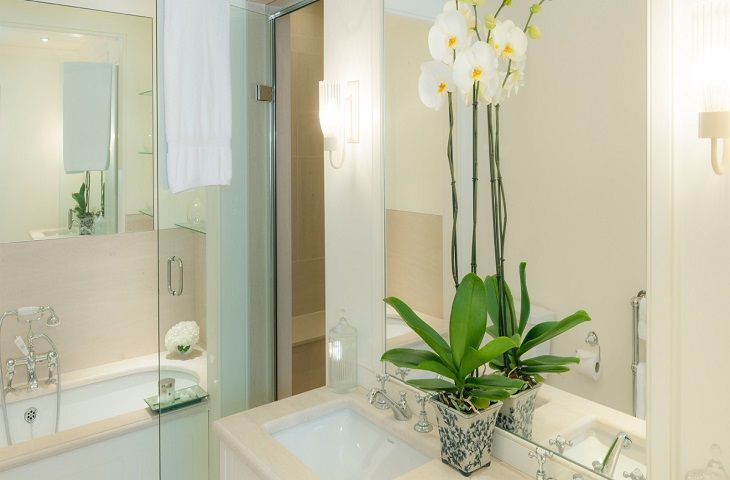 The property features a luxurious en-suite bathroom complete with an indulgent bath tub and even its own mosaic tiled steam room