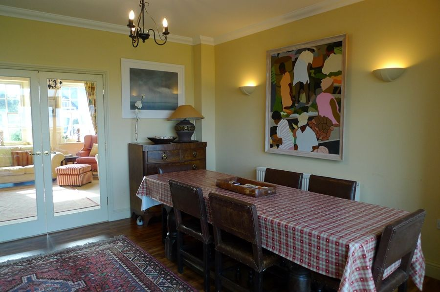 Lark Cottage | Dining area