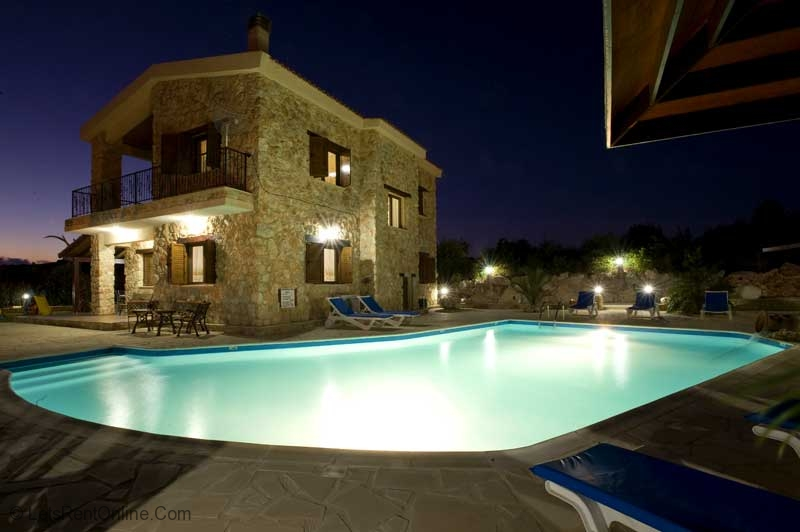 Peristerona 'The Retreat'  Villa at Night