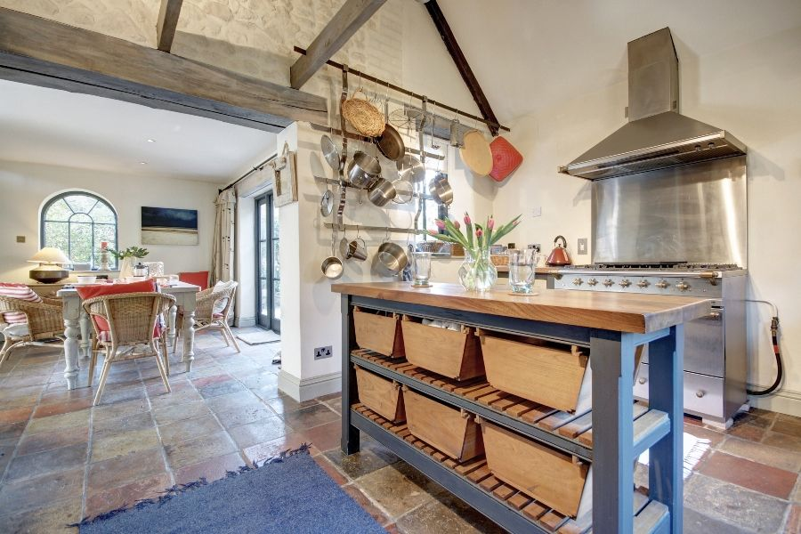 Aviaries Barn | Kitchen