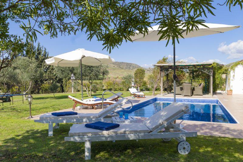 Agia Varvara Villa Kypria Loungers/Setting/Pool