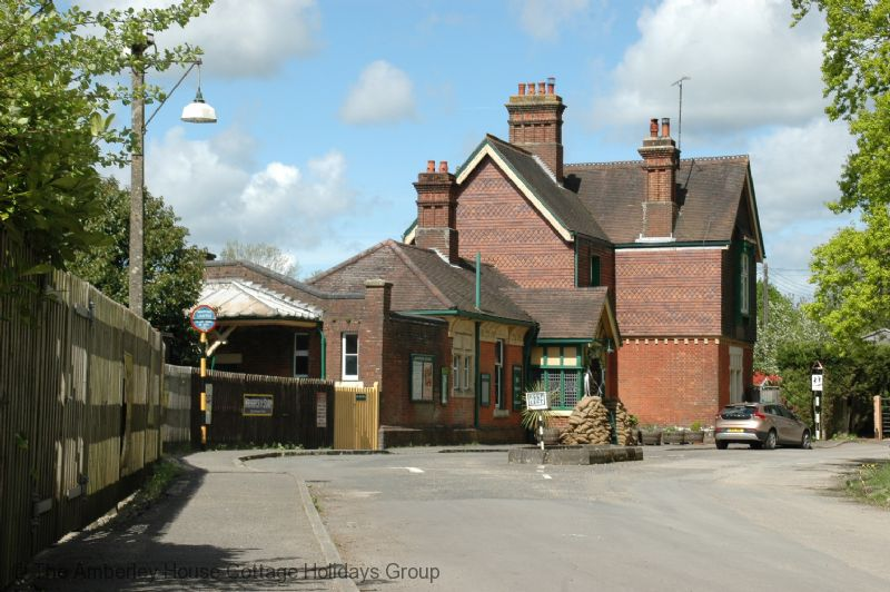 Large Image - Horsted Keynes Station