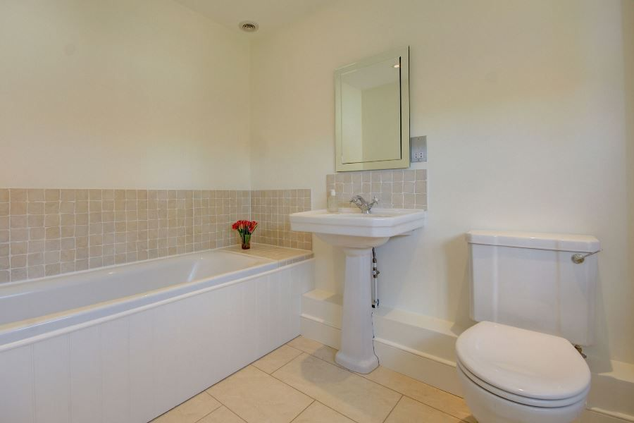 Orchard House | En-suite 2