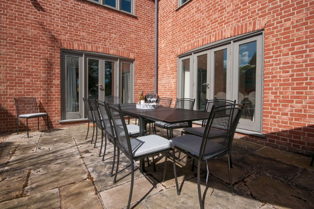Orchard House | Outside dining