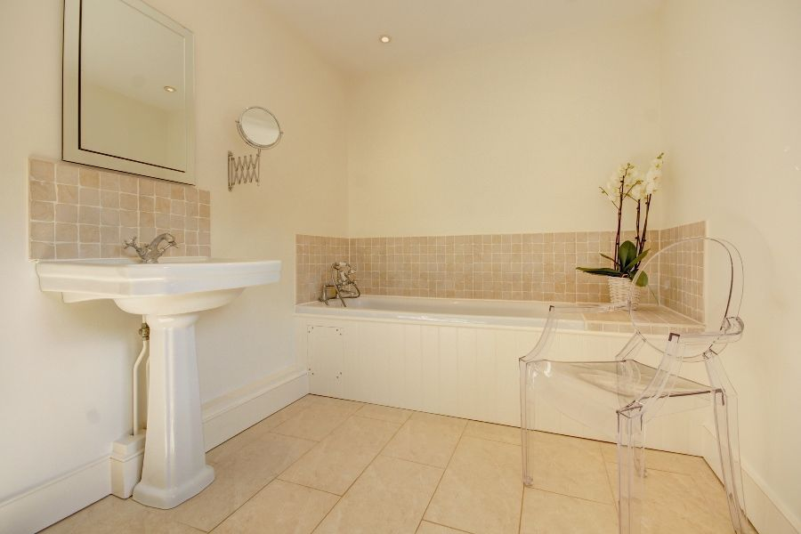 Orchard House | En-suite 1