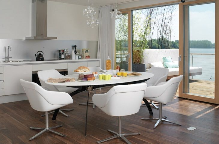 First floor dining area with beautiful views over Warren Cross lake