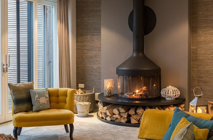 Cosy fireplace in the sitting room