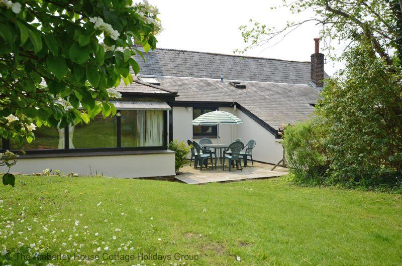 Large Image - Barrington Cottage patio and garden