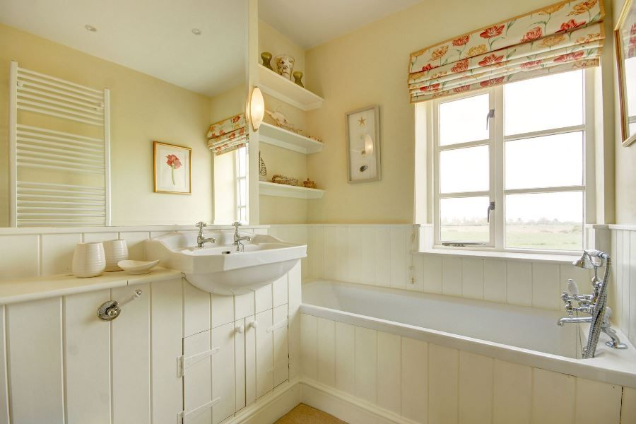 Greystones 3 bedrooms | En-suite bath
