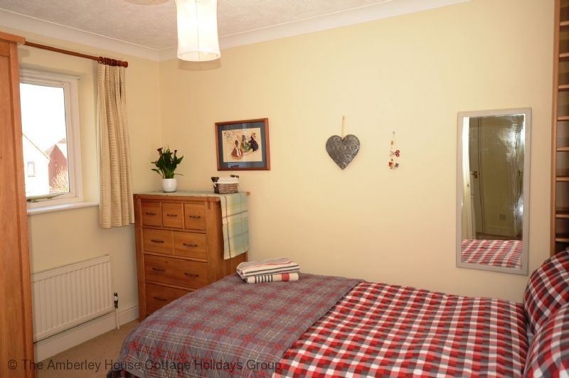 Large Image - Small double bedroom