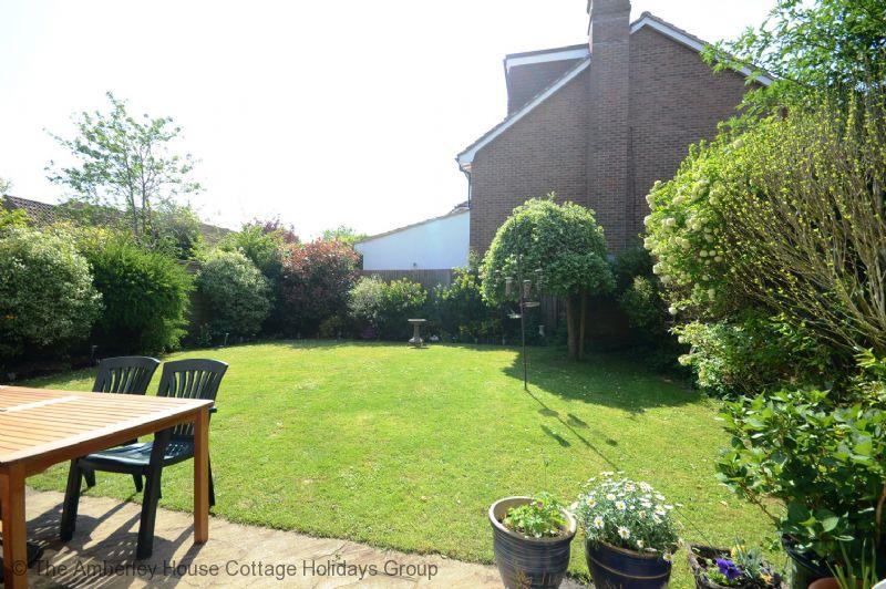Large Image - Garden area