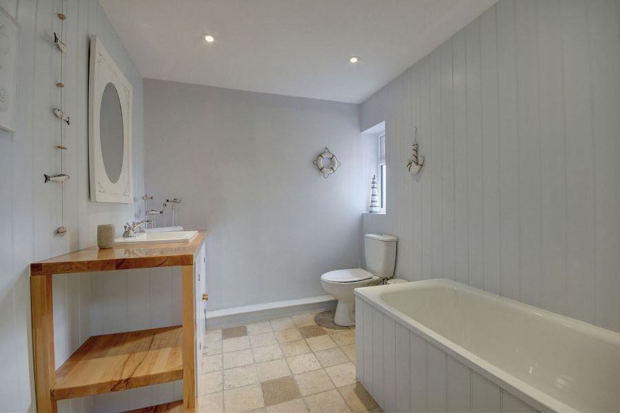 The Old Pharmacy 3 bed option | Bathroom