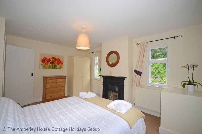 Large Image - The ground floor double bedroom